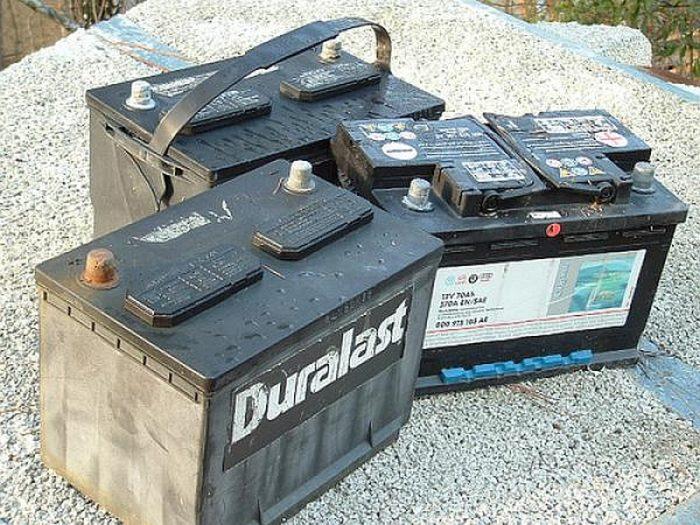 Как часто нужно менять аккумулятор на Приоре