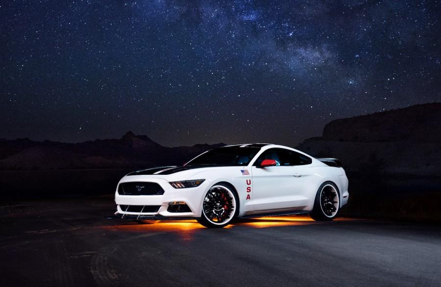 Ford, отметивший годовщину высадки на луну эксклюзивным Mustang