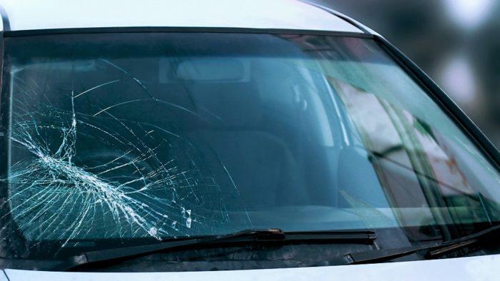 Ремонт лобового стекла в автомобиле